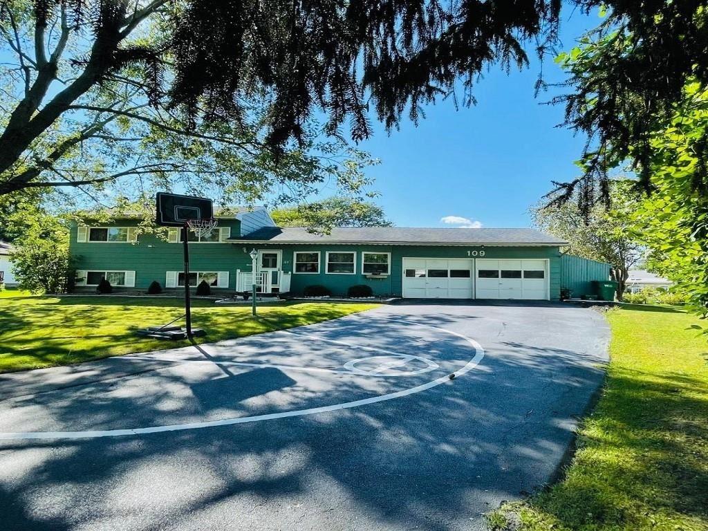 109 Emerald Circle, Rochester, NY 14623 - MLS#: R1369252