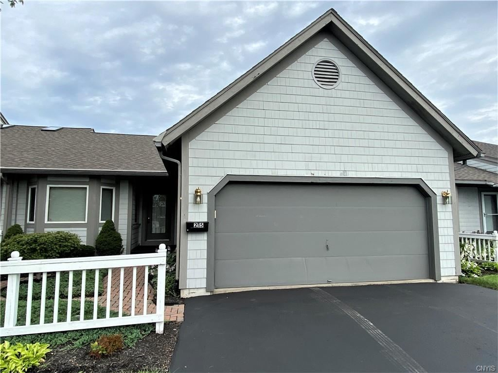 215 Summerhaven Drive S, East Syracuse, NY 13057 - MLS#: S1361285