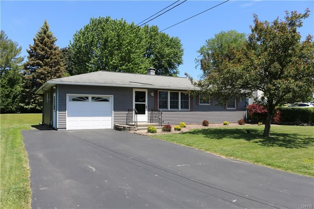 305 Chestnut Heights Drive, Liverpool, NY 13088 - #: S1350288