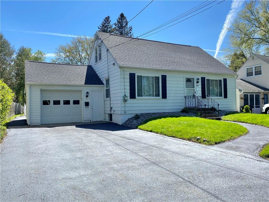 209 Sheridan Road, Liverpool, NY 13090 - MLS#: S1332354