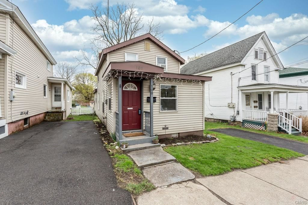 108 W Schuyler Street, Oswego, NY 13126 - MLS#: S1330398