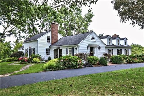 Photo of 240 W Bloomfield Road, Pittsford, NY 14534 (MLS # R1366418)