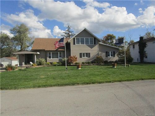 Photo of 278 S Forest Road, Williamsville, NY 14221 (MLS # B1303420)