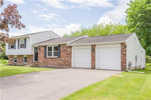 Photo of 8353 Warbler Way, Liverpool, NY 13090 (MLS # S1339438)