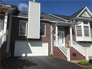 Photo of 16 Glen Cove Rise, Rochester, NY 14617 (MLS # R1220445)