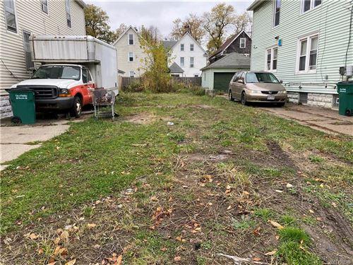 Photo of 56 Hartman Place, Buffalo, NY 14207 (MLS # B1304446)