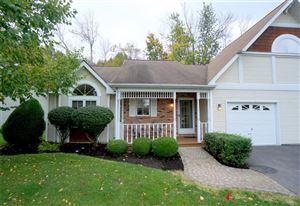 Photo of 63 Spicebush Lane, Williamsville, NY 14221 (MLS # B1232449)