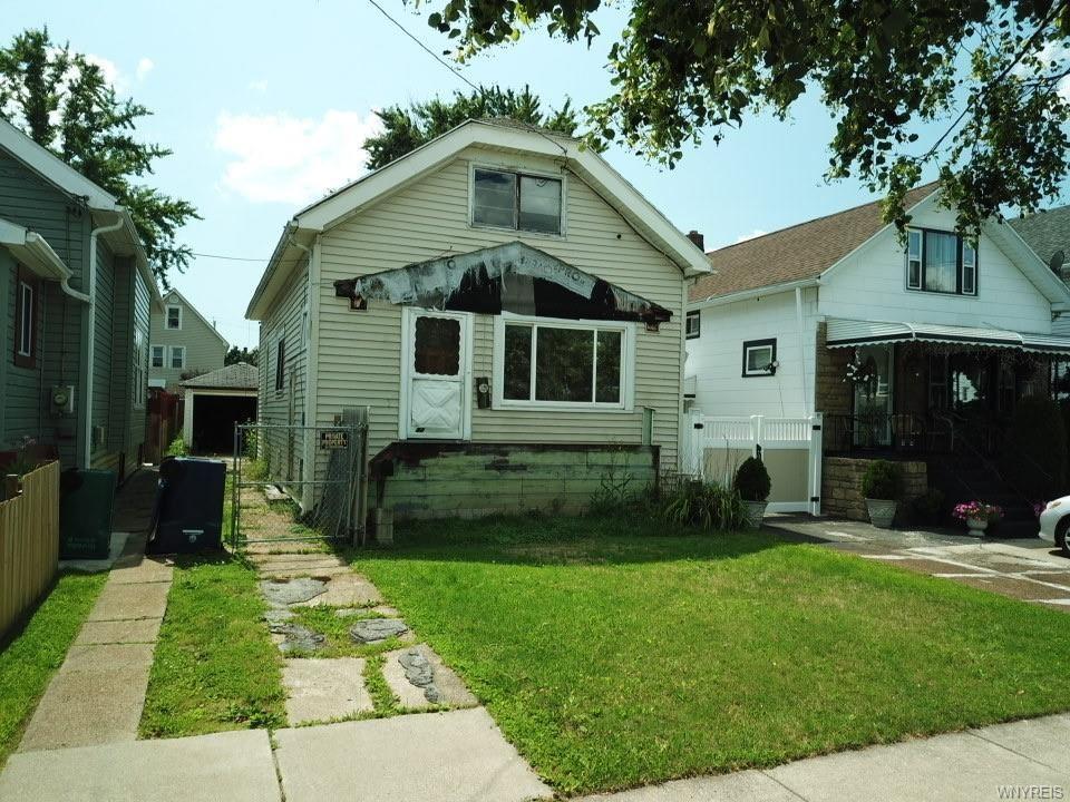 Photo for 82 Rosedale Street, Buffalo, NY 14207 (MLS # B1358476)