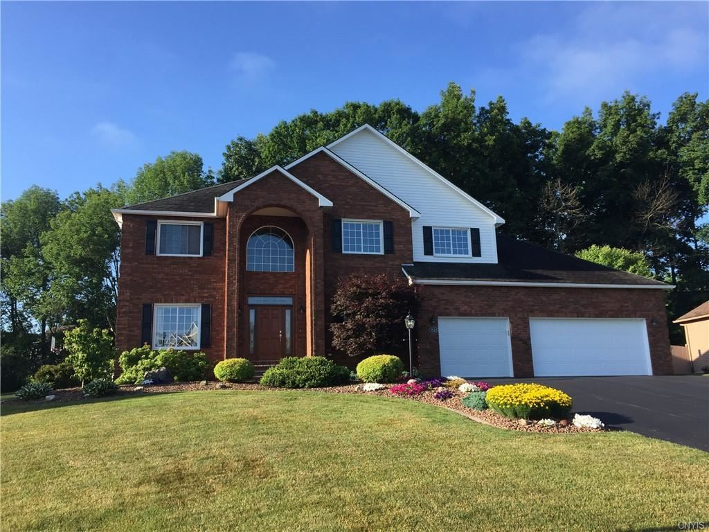 7528 Plum Hollow Circle, Liverpool, NY 13090 - #: S1283493