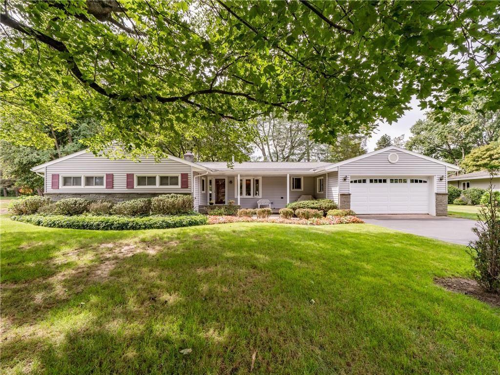 10 Larchwood Drive, Pittsford, NY 14534 - MLS#: R1367511