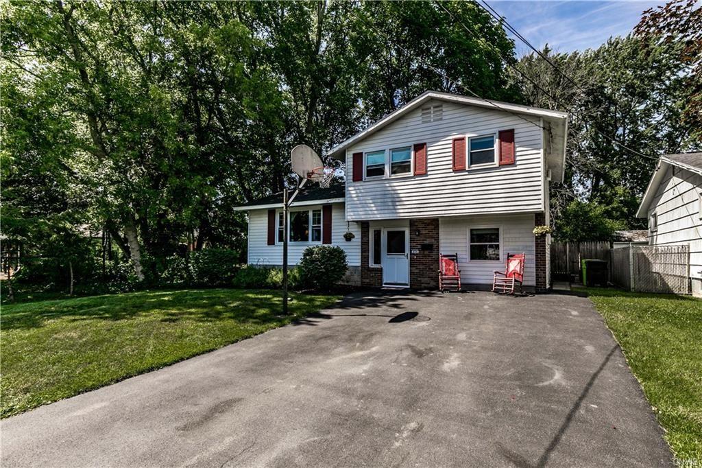 404 Shaver Avenue, North Syracuse, NY 13212 - MLS#: S1344520