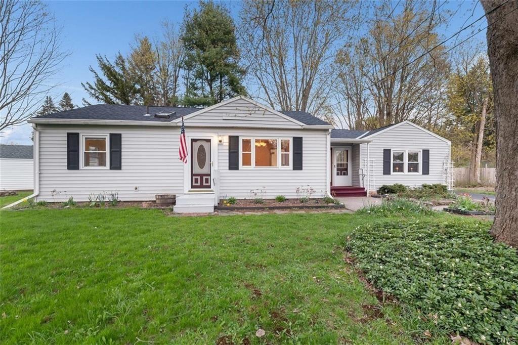 4 Larchmont Drive, New Hartford, NY 13413 - MLS#: S1333530