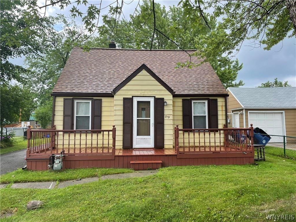 Photo for 219 Buckeye Road, Amherst, NY 14226 (MLS # B1351598)