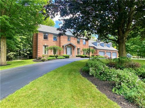 Photo of 7104 Thorntree Hill Dr, Fayetteville, NY 13066 (MLS # S1340609)