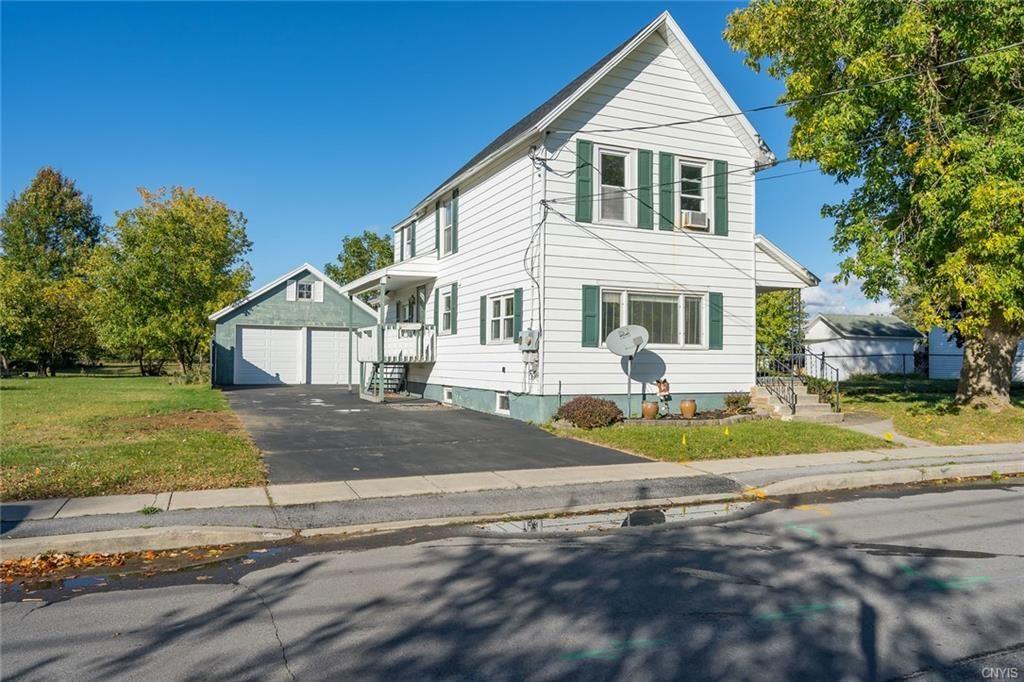 712 Emmett Street, Watertown, NY 13601 - #: S1299665