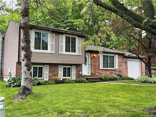 Photo of 8343 Redwing Drive, Liverpool, NY 13090 (MLS # S1341719)