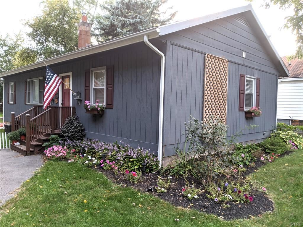 1305 Cold Springs Road, Liverpool, NY 13090 - #: S1322732