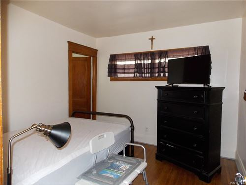 Tiny photo for 156 N Ogden Street N, Buffalo, NY 14206 (MLS # B1357745)