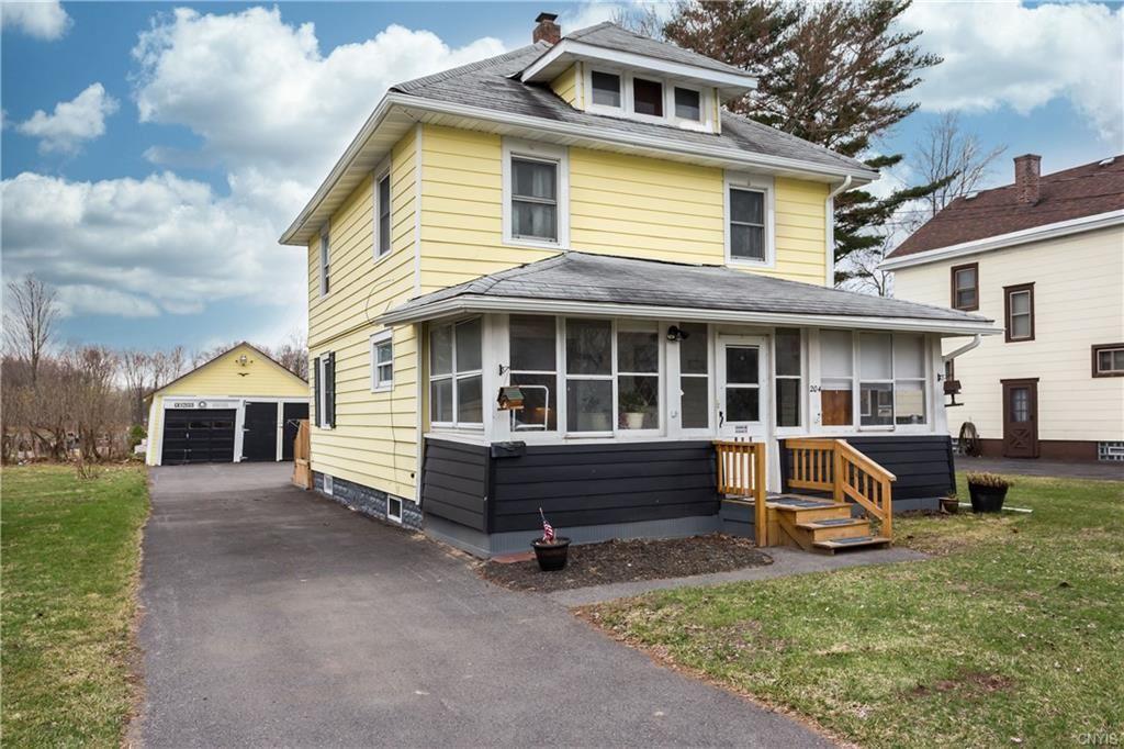 204 Wells Avenue E, North Syracuse, NY 13212 - #: S1326767