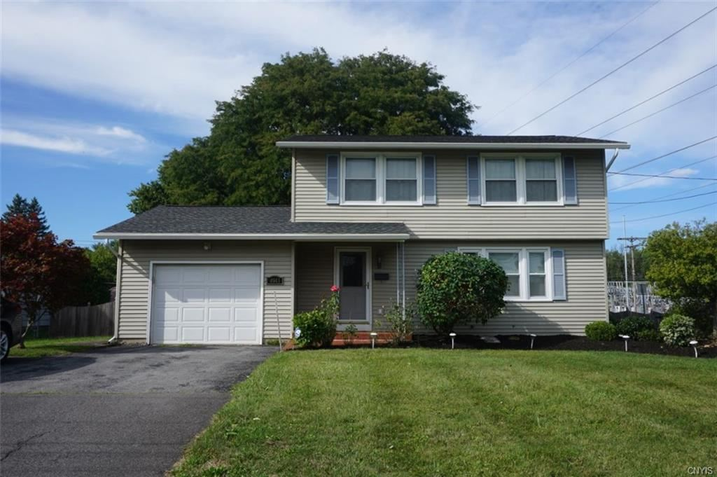 4943 Driftwood Drive, Liverpool, NY 13088 - #: S1289769