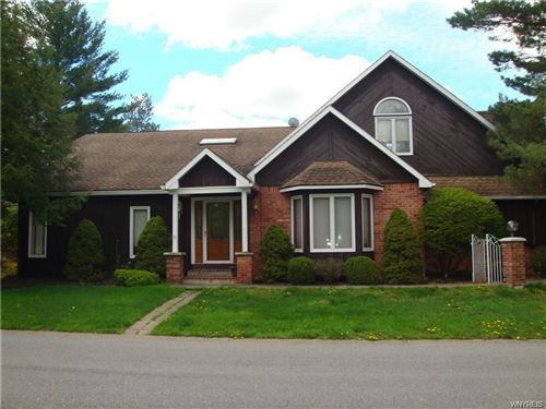 Photo of 6085 WHITEGATE Crossing, East Amherst, NY 14051 (MLS # B1336796)