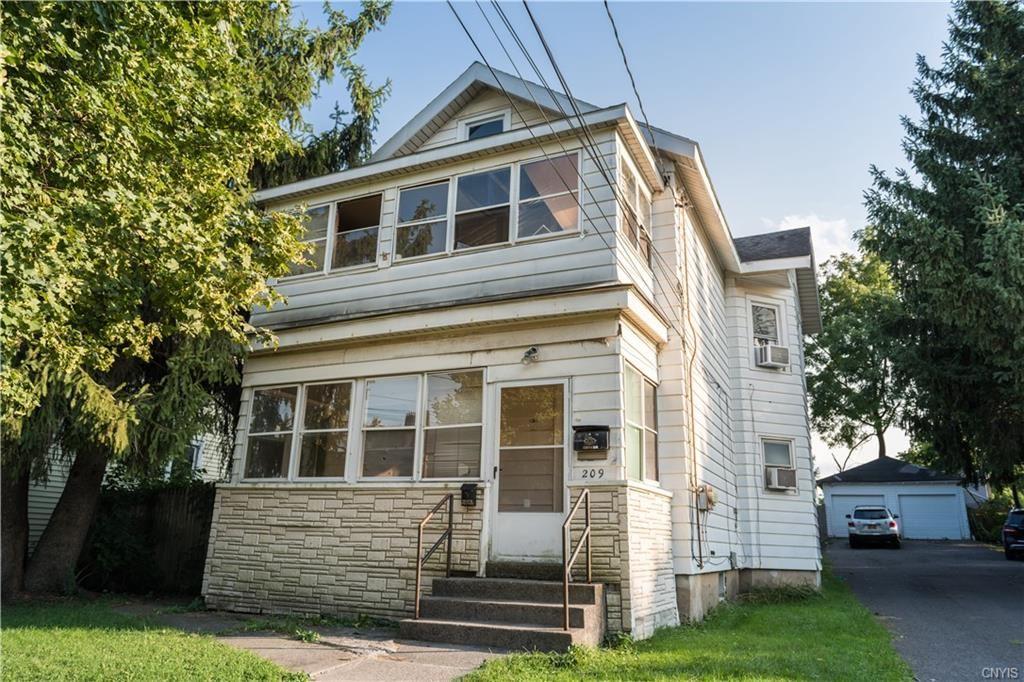 209 W Yates Street, East Syracuse, NY 13057 - #: S1292876