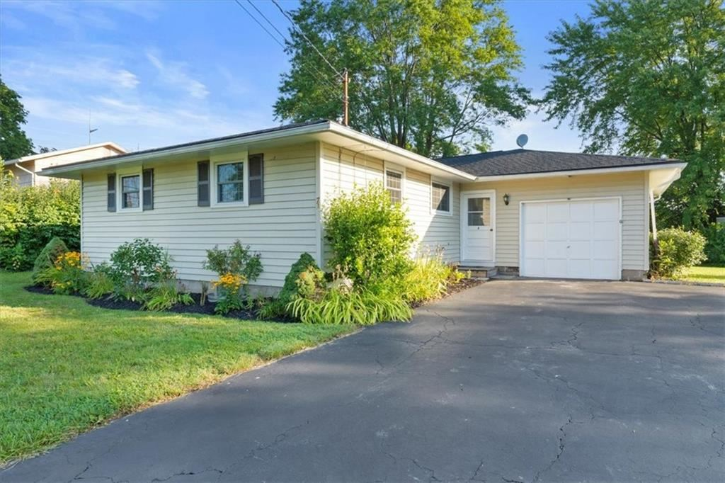 71 Notre Dame Drive, Rochester, NY 14623 - MLS#: R1356916