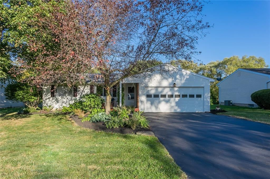 32 Beacon Hills Drive N, Penfield, NY 14526 - #: R1297934