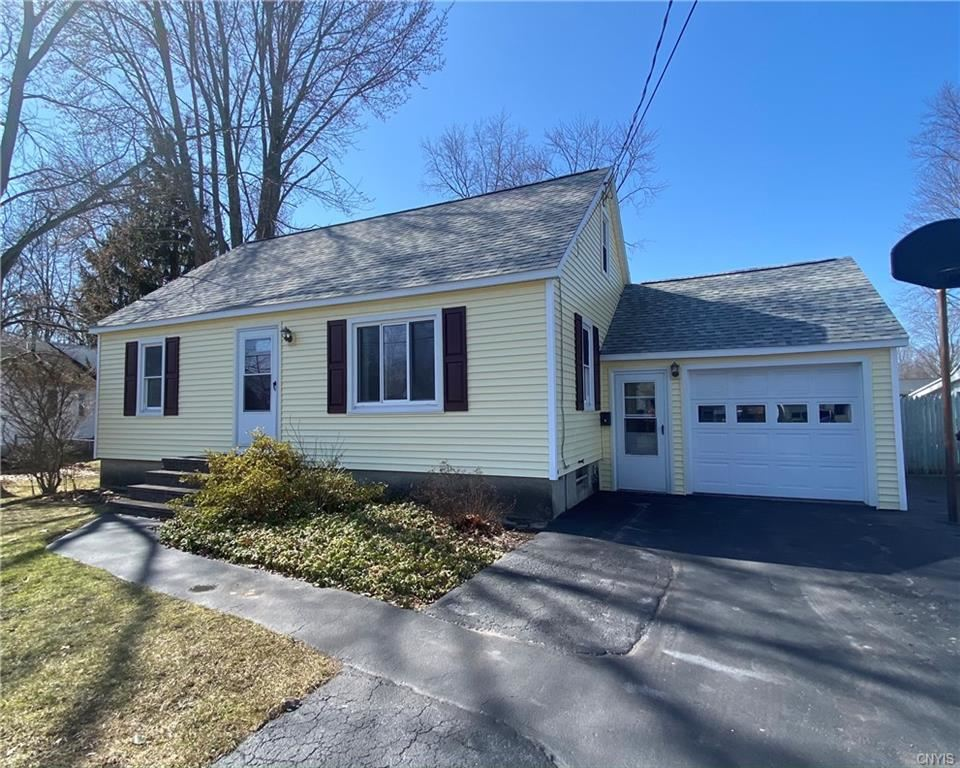 208 Helen Street, North Syracuse, NY 13212 - MLS#: S1324936