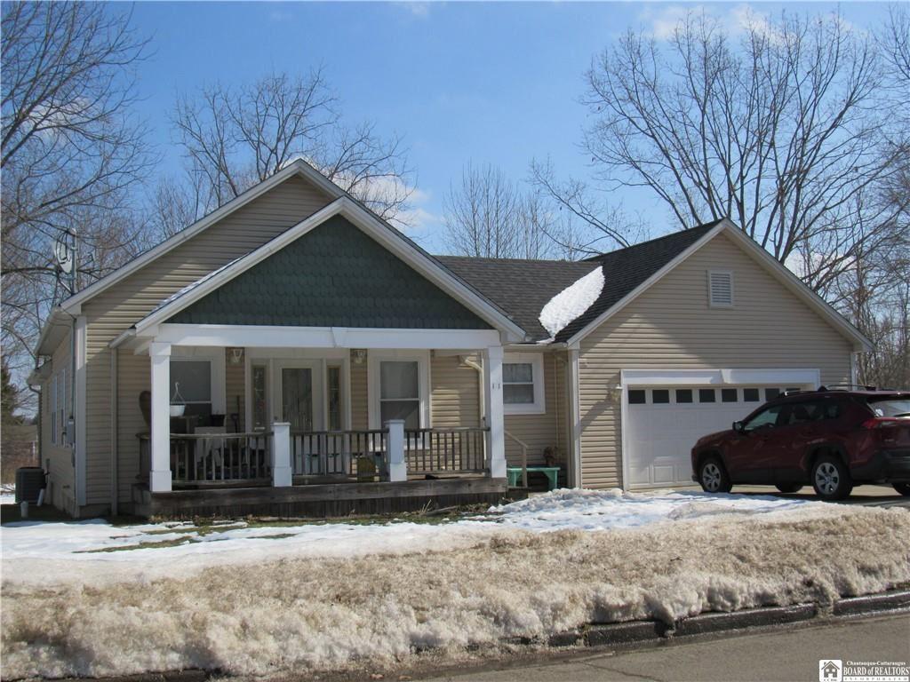 11 Collins Avenue, Jamestown, NY 14701 - #: R1321951
