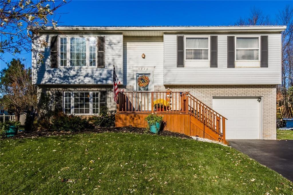 5720 Bean Pole Circle, Farmington, NY 14425 - #: R1305953