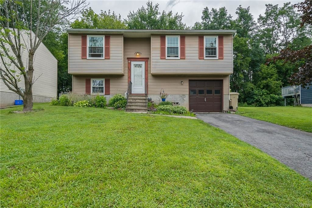 3670 Chainmaker, Baldwinsville, NY 13027 - #: S1355962