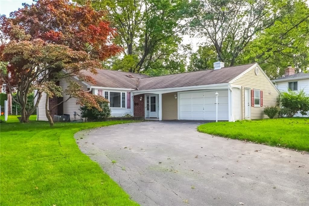 417 Meadowbriar Rd, Rochester, NY 14616 - MLS#: R1371969