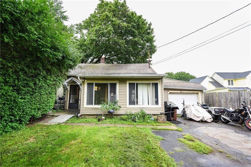 240 E Linden Ave, East Rochester, NY 14445 - MLS#: R1360975