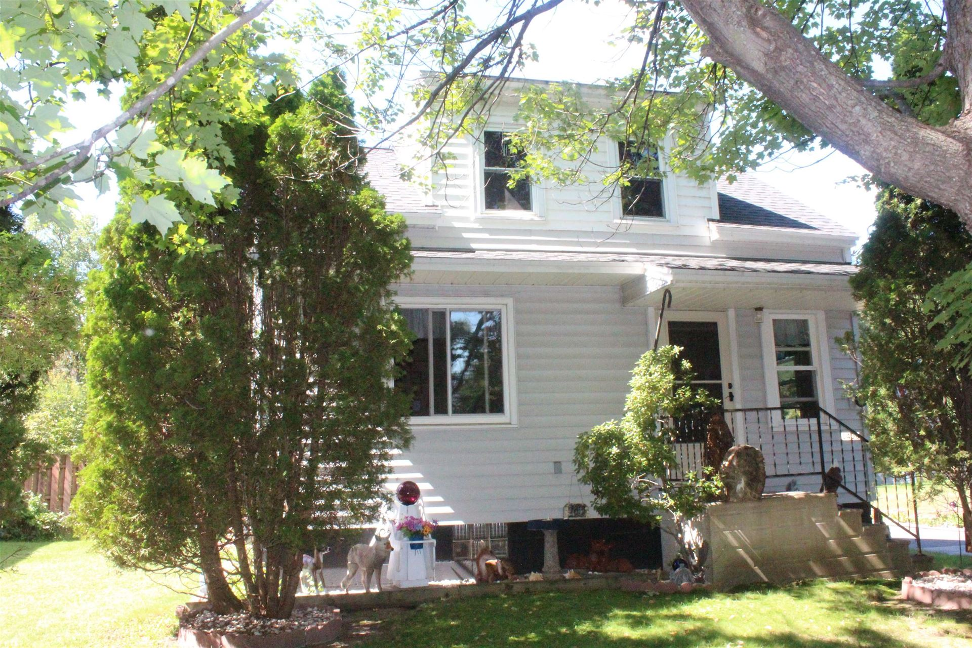 Photo for 1406 S 3RD AVENUE, Wausau, WI 54401 (MLS # 22105145)