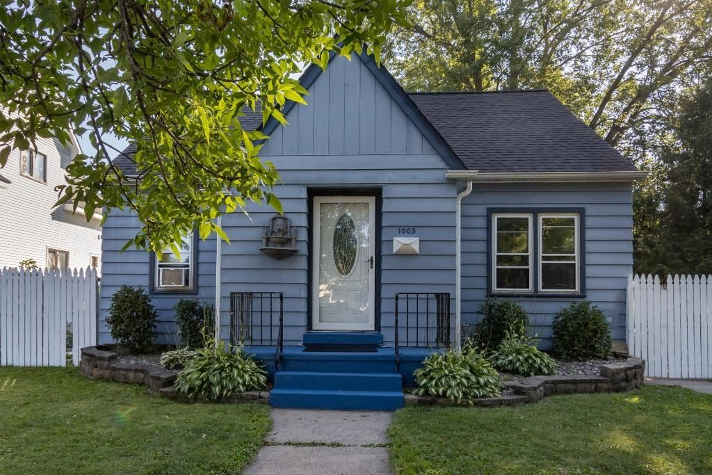 Photo for 1005 S 10TH AVENUE, Wausau, WI 54401 (MLS # 22105182)