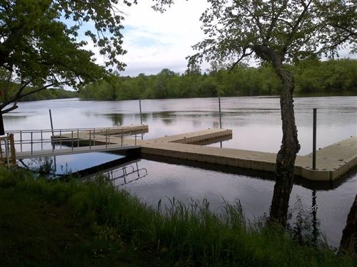 Photo of 2250 TIMBER VIEW DRIVE, Plover, WI 54467 (MLS # 22102910)