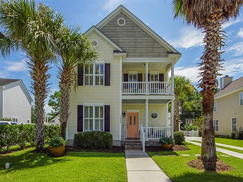 Photo of 1804 Hubbell Drive, Mount Pleasant, SC 29466 (MLS # 20022027)