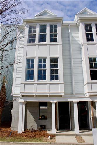 Photo of 21 Dereef Court, Charleston, SC 29403 (MLS # 19007033)