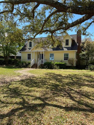 Photo of 957 Pitt Street, Mount Pleasant, SC 29464 (MLS # 20008052)