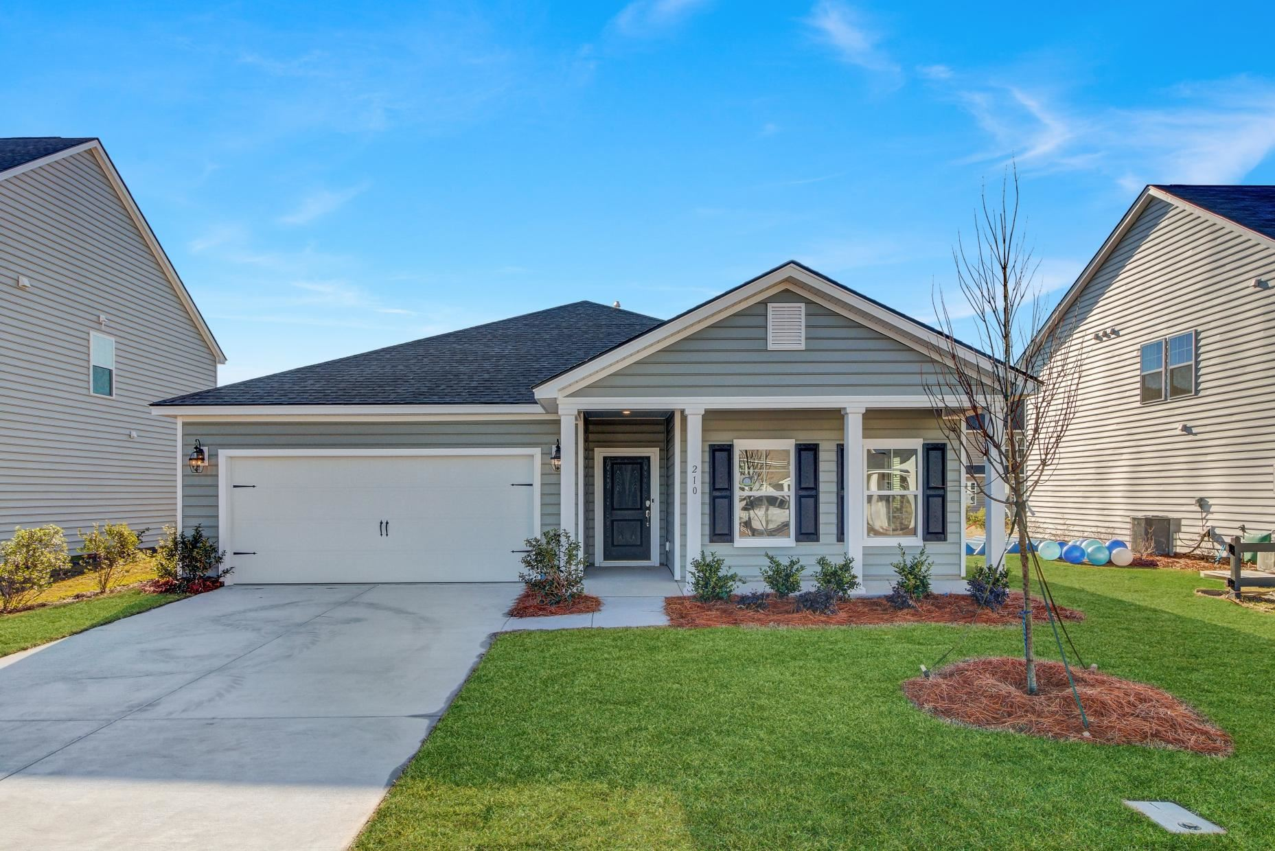Photo of 226 West Respite Lane, Summerville, SC 29483 (MLS # 20014096)
