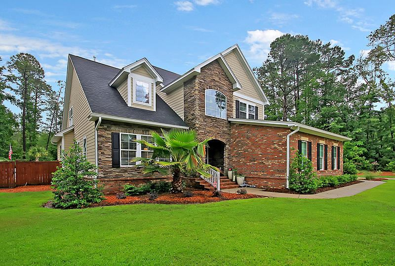 Photo of 1009 King Mountain Drive, Summerville, SC 29483 (MLS # 20014112)