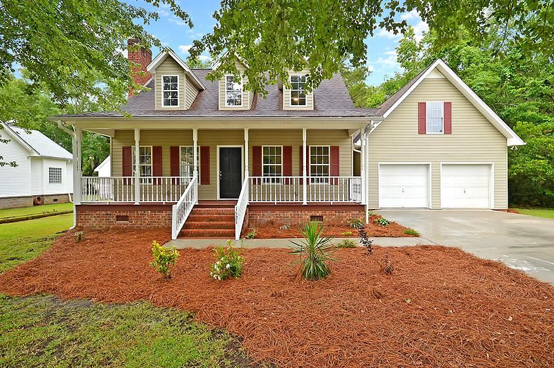 Photo of 1521 Sterling Oaks Drive, Moncks Corner, SC 29461 (MLS # 20014116)