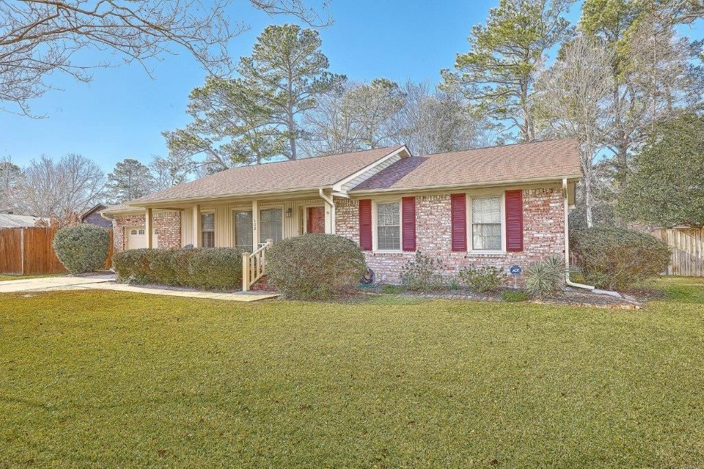 Photo of 102 Clubhouse Road, Summerville, SC 29483 (MLS # 21002181)