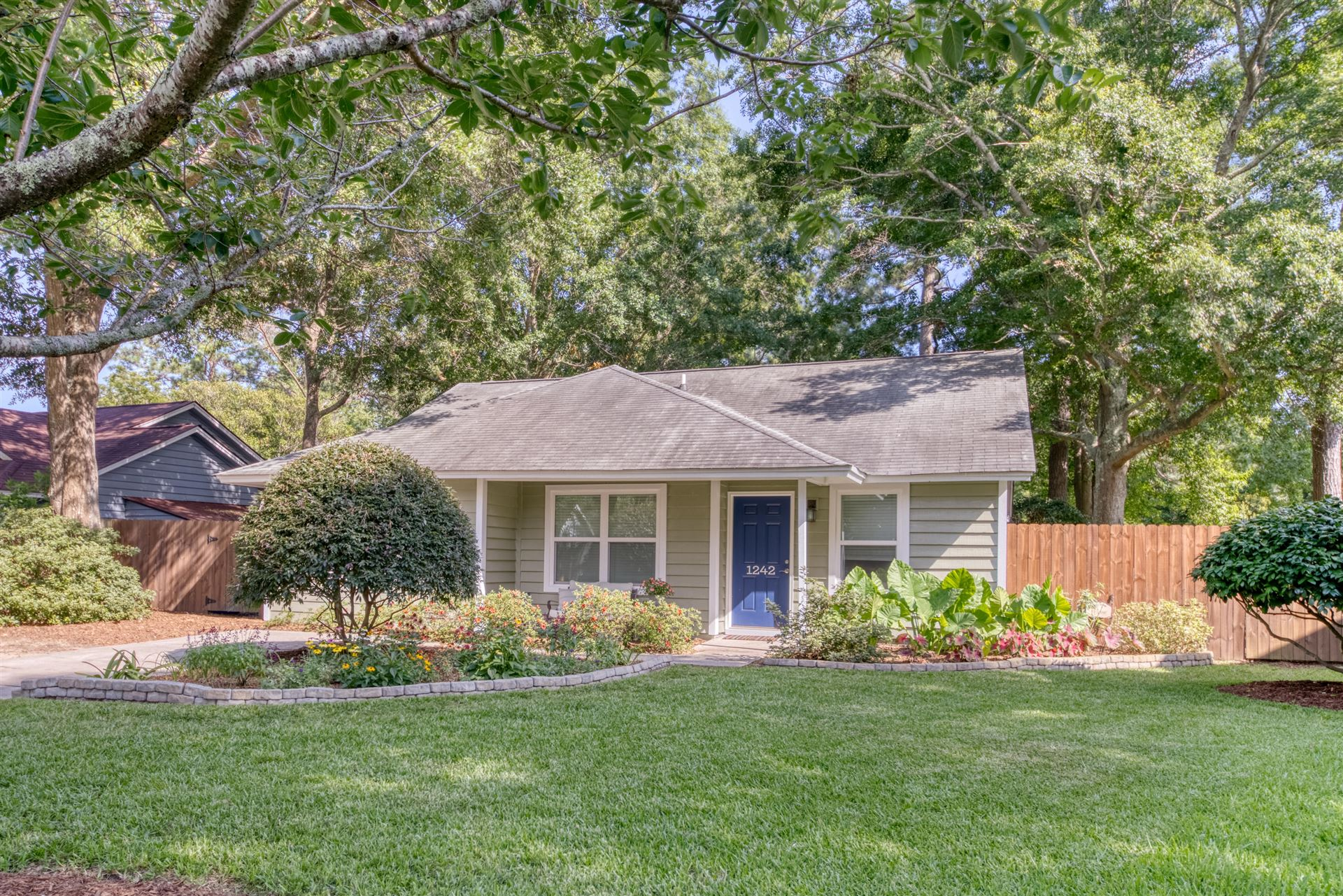 1242 Lake Mallard Boulevard, Mount Pleasant, SC 29464 - #: 20018229