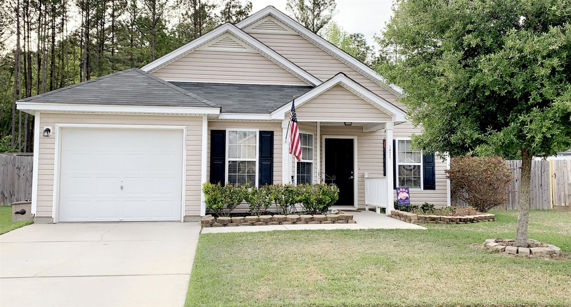 Photo of 171 Blackstone Drive, Moncks Corner, SC 29461 (MLS # 21010256)