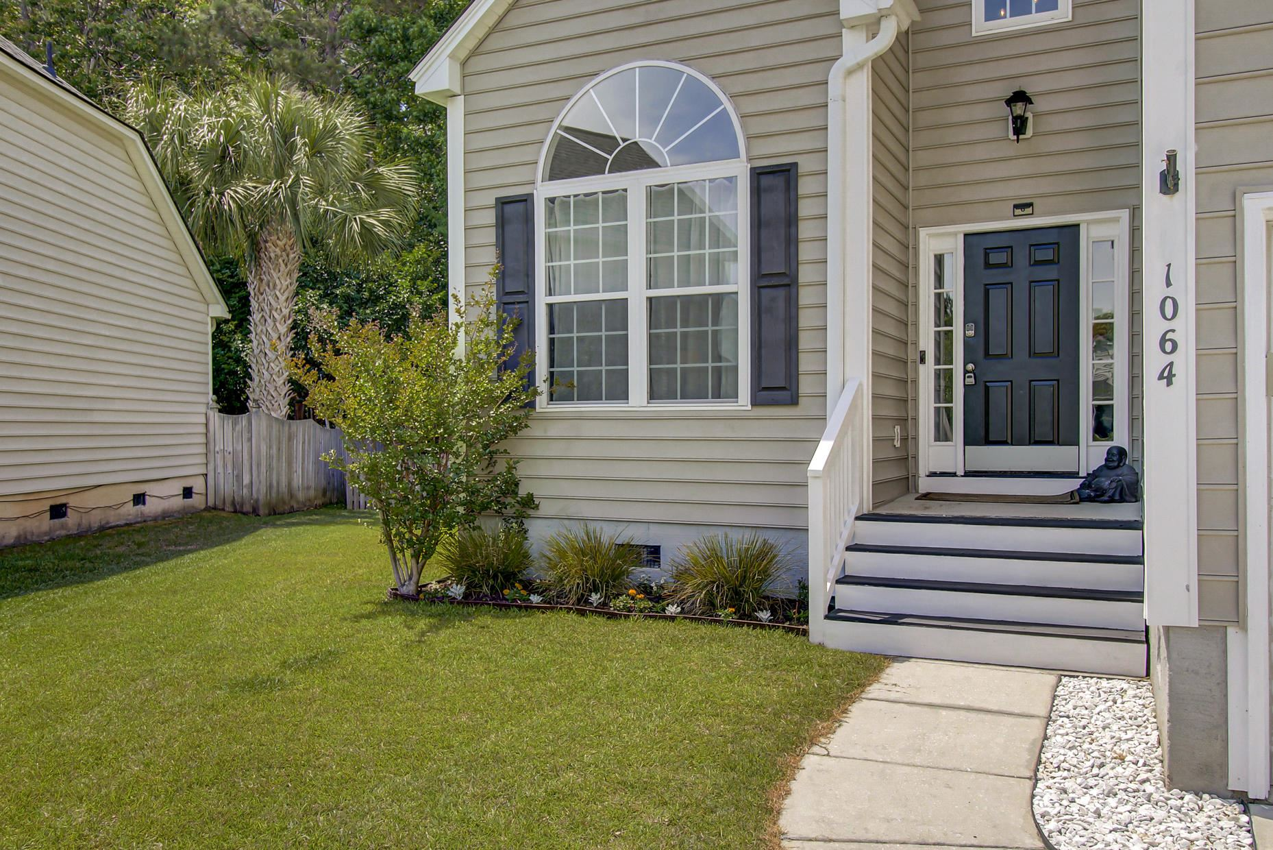 Photo of 1064 Willoughby Lane, Mount Pleasant, SC 29466 (MLS # 21012315)