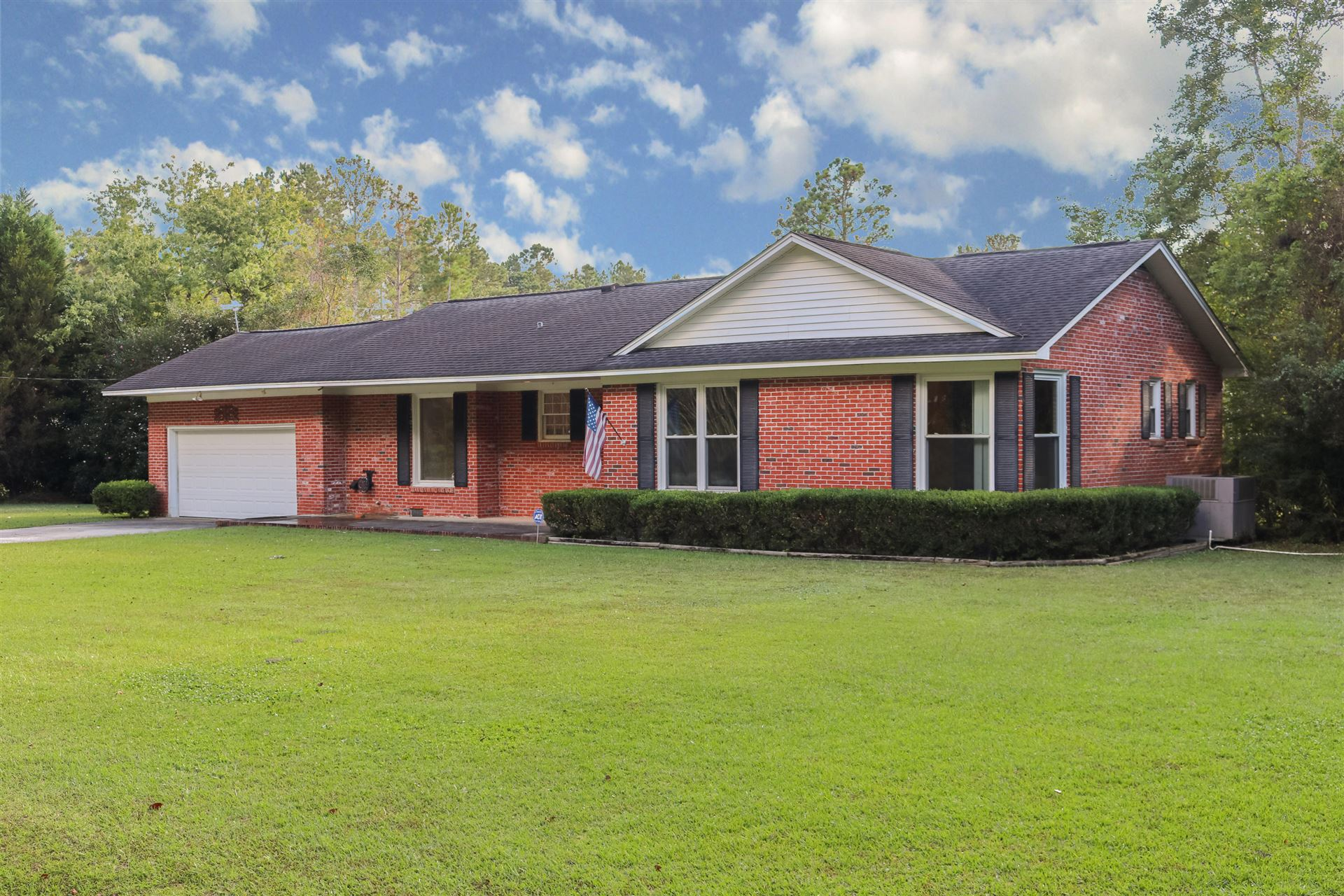 Photo of 130 Mcmakin Street, Summerville, SC 29483 (MLS # 20029321)