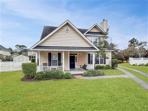 Photo of 1409 Crooked Pine Drive, Mount Pleasant, SC 29466 (MLS # 19000334)