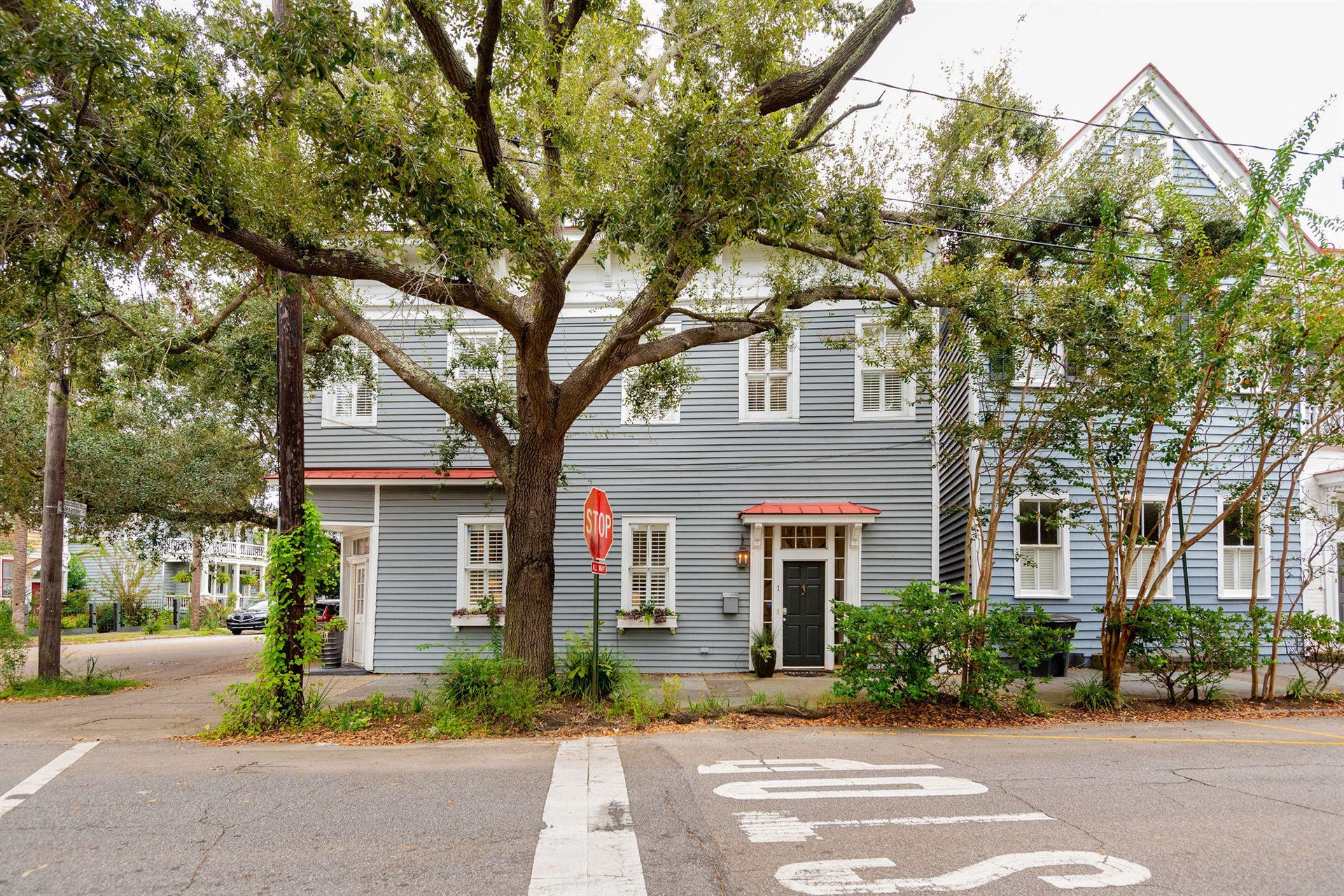 Photo of 25 Chapel Street, Charleston, SC 29403 (MLS # 20029338)